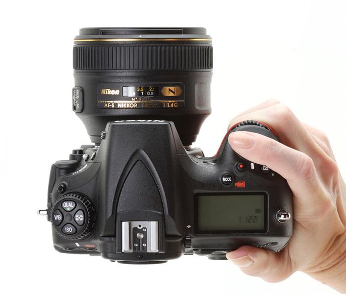 دوربين ديجيتال نيکون مدل D810 به همراه لنز ۲۴-۱۲۰