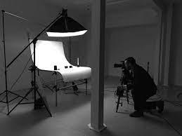 کیفیت ارائه ی بصری شما از محصولات است. و این بدان معنی است که عکاسی زیبا و باکیفیت از محصولات، شما را بسیار جلو میاندازد. در این مطلب به آموزش عکاسی صنعتی برای رسیدن به این هدف است.